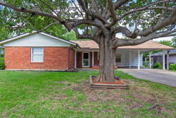Photo of 4920 Cockrell Avenue, Fort Worth, TX 76133 (MLS # 14403998)