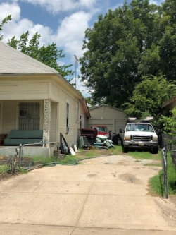 Photo of 1621 E Terrell Avenue, Fort Worth, TX 76104 (MLS # 14459229)