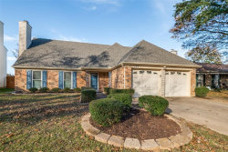 Photo of 107 Wooddale, Euless, TX 76039 (MLS # 14479360)