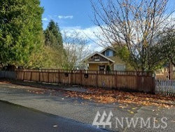 Photo of 2519, 2521 Cleveland Ave, Everett, WA 98201 (MLS # 1689312)