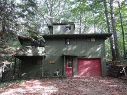 Photo of 2053 Lakeshore Drive, Fennville, MI 49408 (MLS # 17049593)