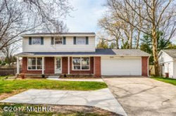 Photo of 2840 Cascade Road, East Grand Rapids, MI 49506 (MLS # 17059455)