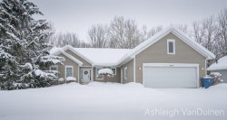 Photo of 4414 Creek View Drive, Hudsonville, MI 49426 (MLS # 18008889)