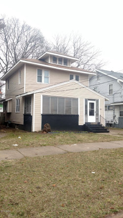Photo of 1814 Lafayette, Grand Rapids, MI 49507 (MLS # 18015421)