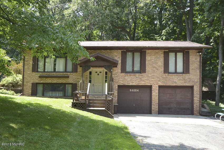 Photo for 58004 46th Street, Lawrence, MI 49064 (MLS # 18033281)