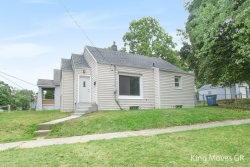 Photo of 1050 Dickinson Street, Grand Rapids, MI 49507 (MLS # 18040425)