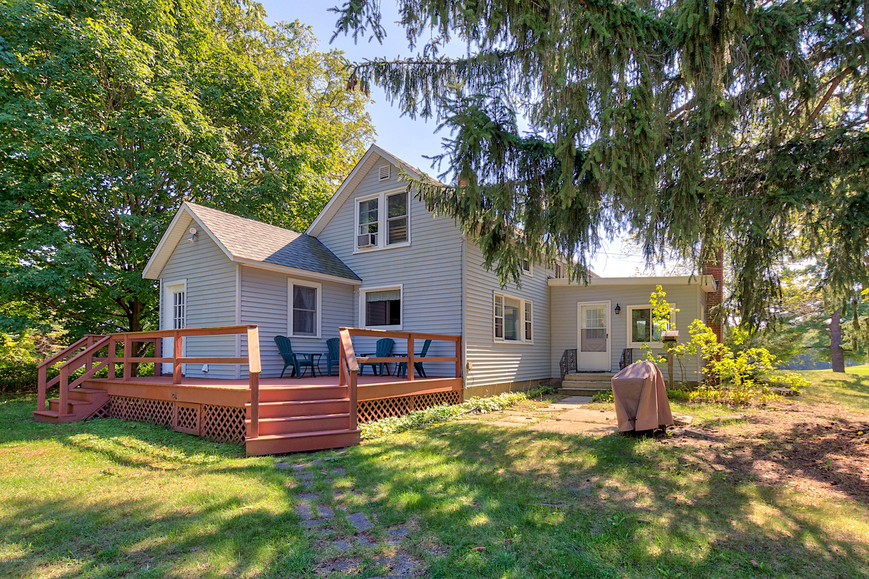 Photo for 6527 Clearbrook Drive, Saugatuck, MI 49453 (MLS # 18046102)