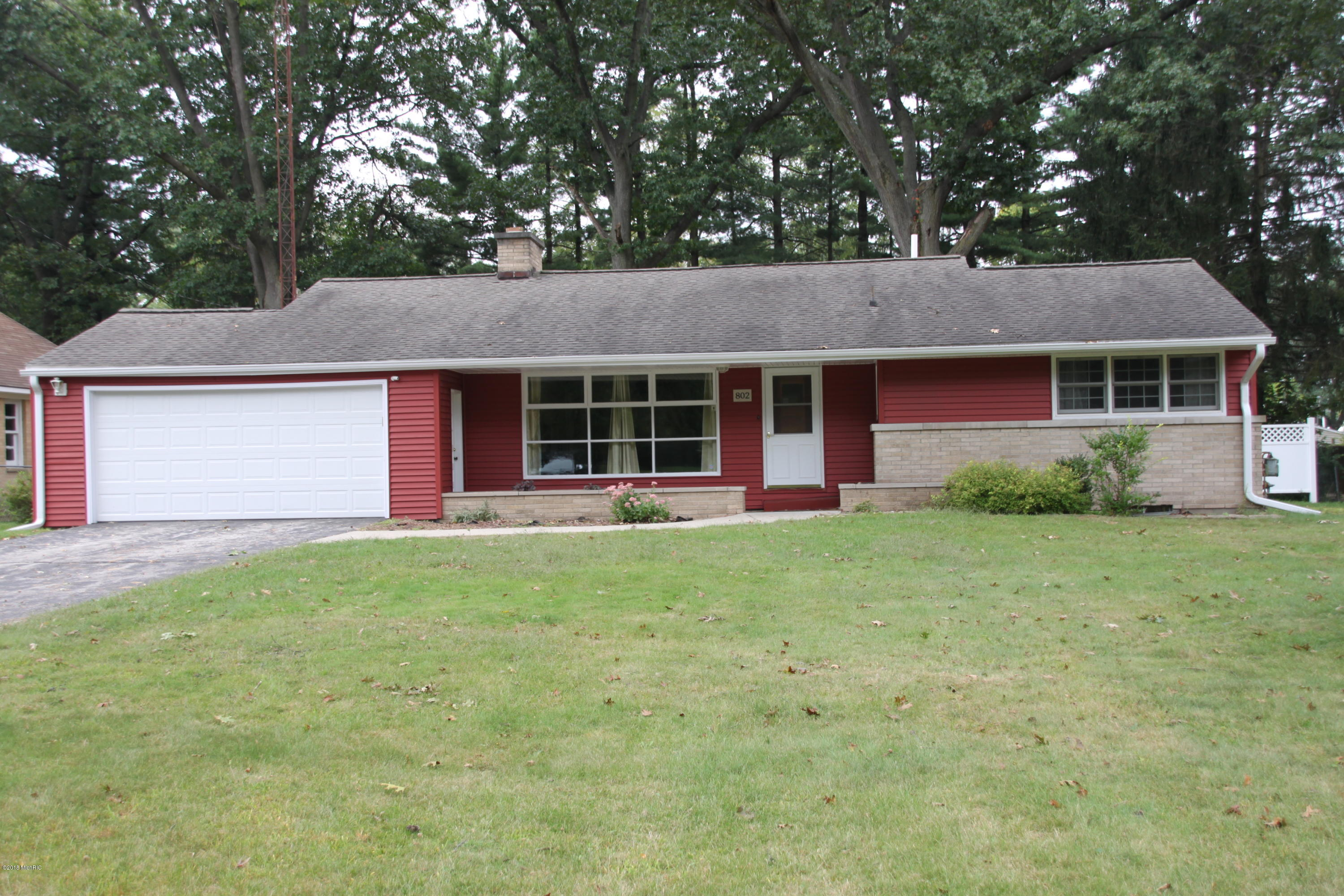 Photo for 802 S La Grave Street, Paw Paw, MI 49079 (MLS # 18046858)