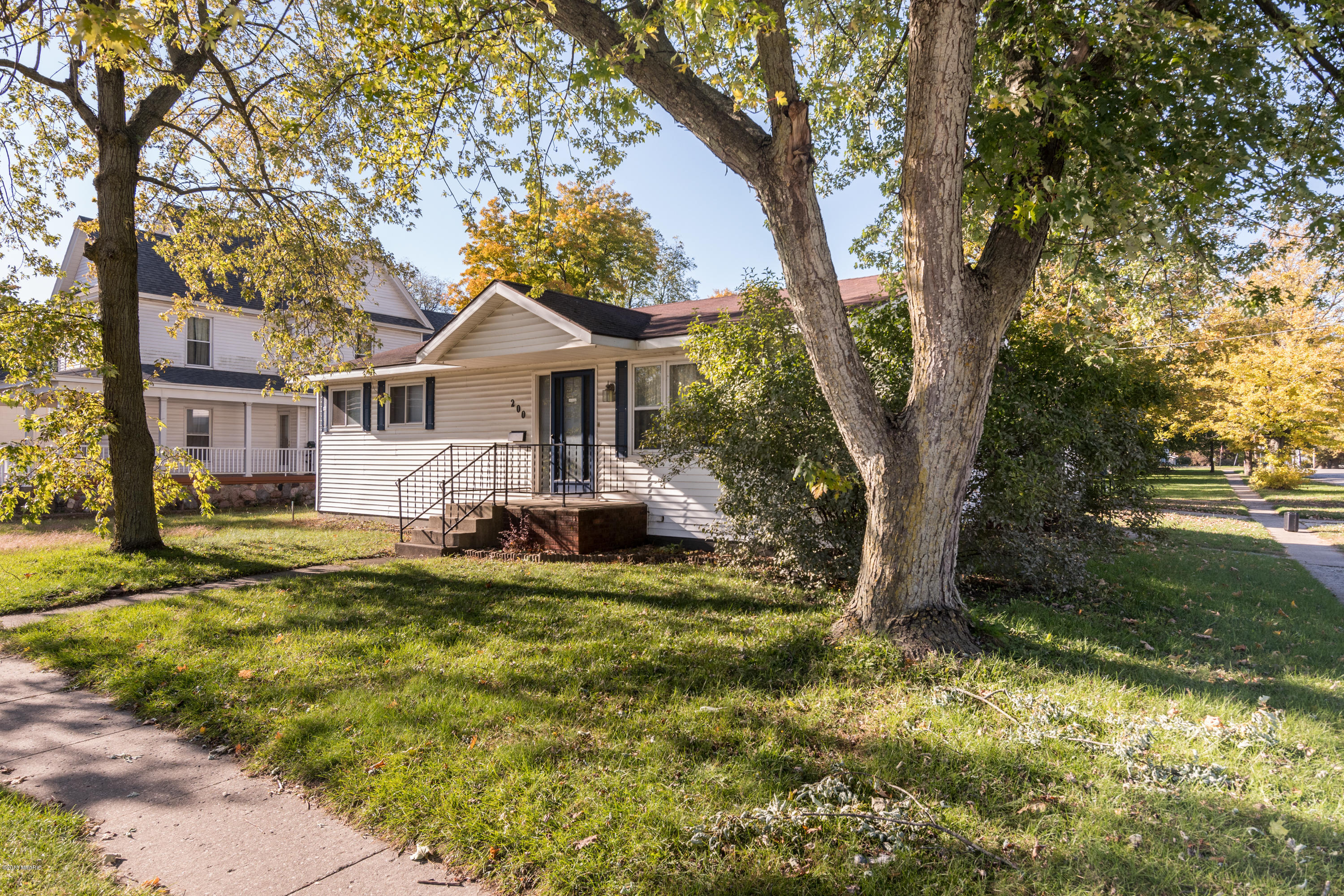 Photo for 200 W Delaware Street, Decatur, MI 49045 (MLS # 18052039)