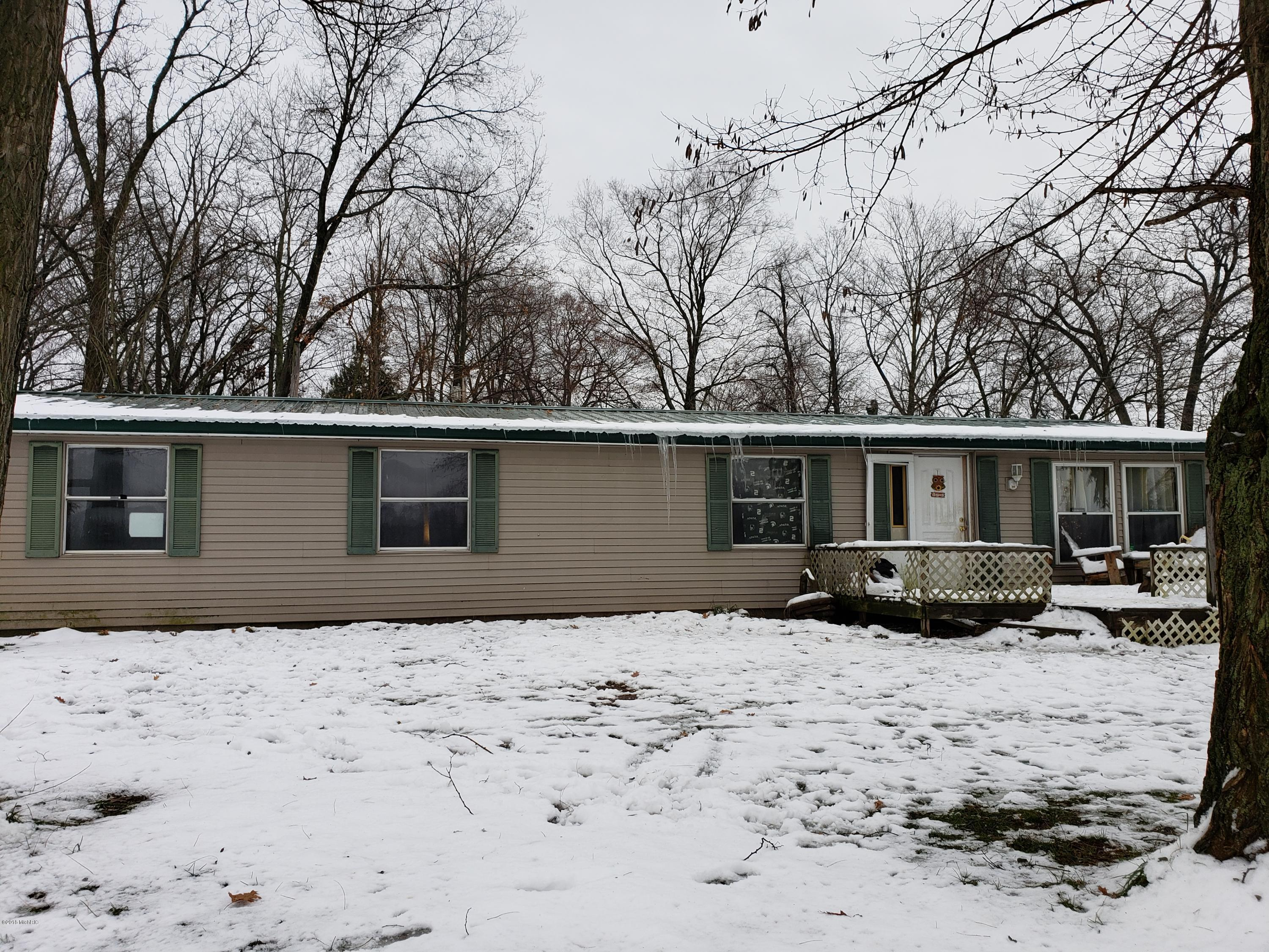 Photo for 58797 Territorial Road, Lawrence, MI 49064 (MLS # 18057065)