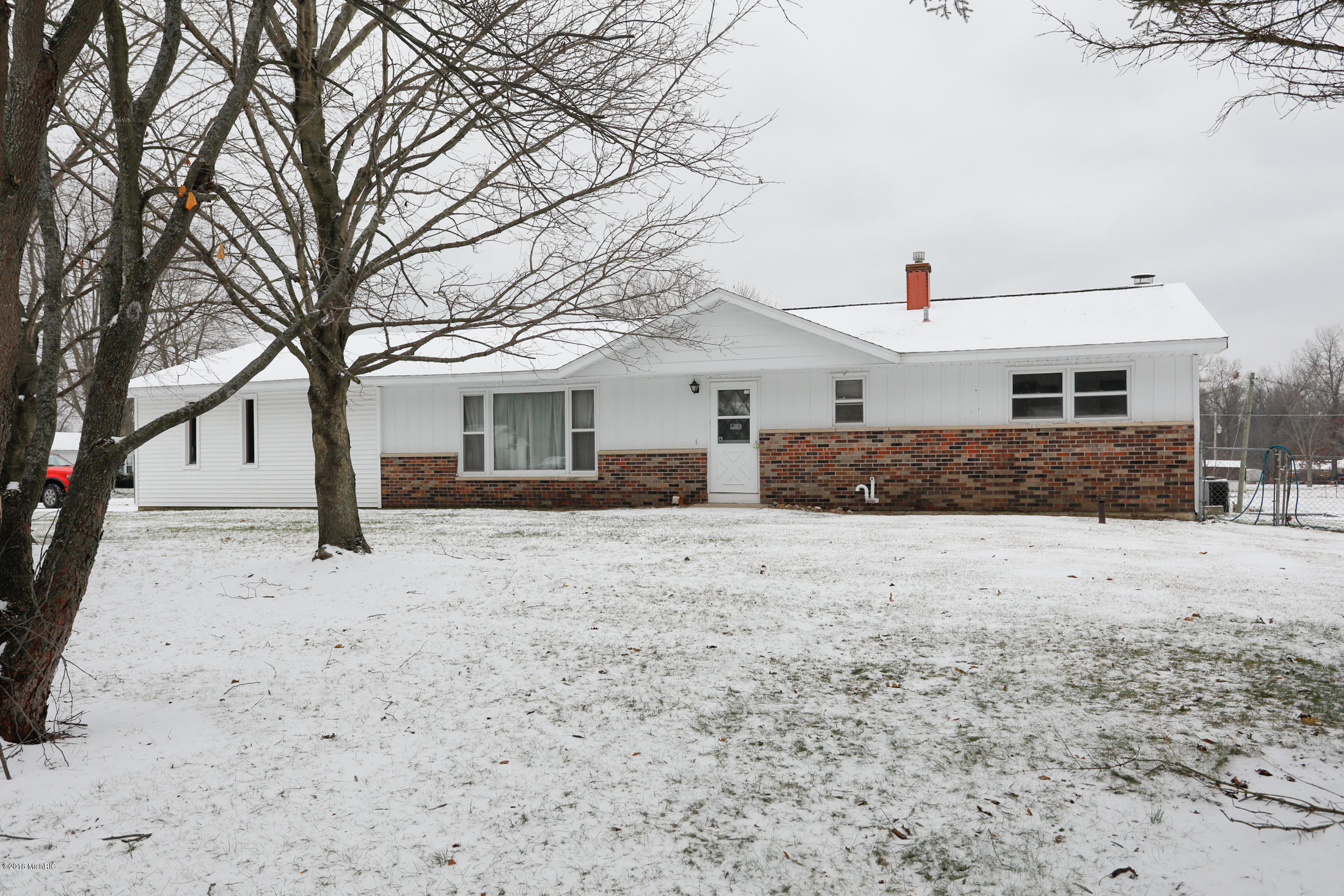 Photo for 35608 Margurite Lane, Paw Paw, MI 49079 (MLS # 18057515)
