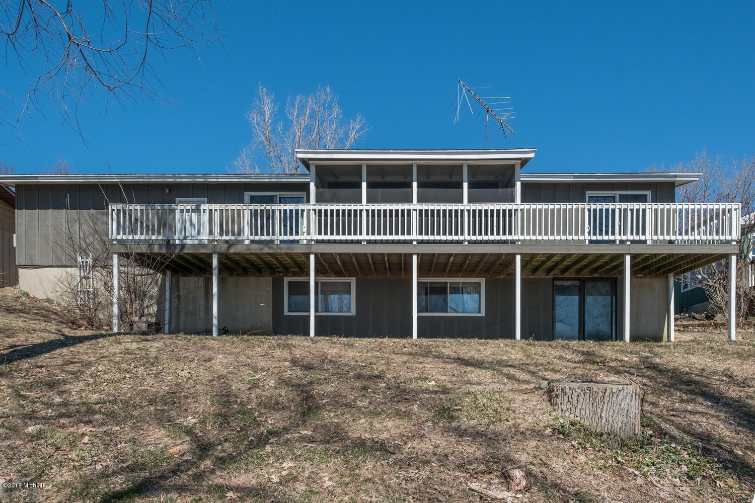 Photo for 47695 Lakeview Drive, Lawrence, MI 49064 (MLS # 18058804)