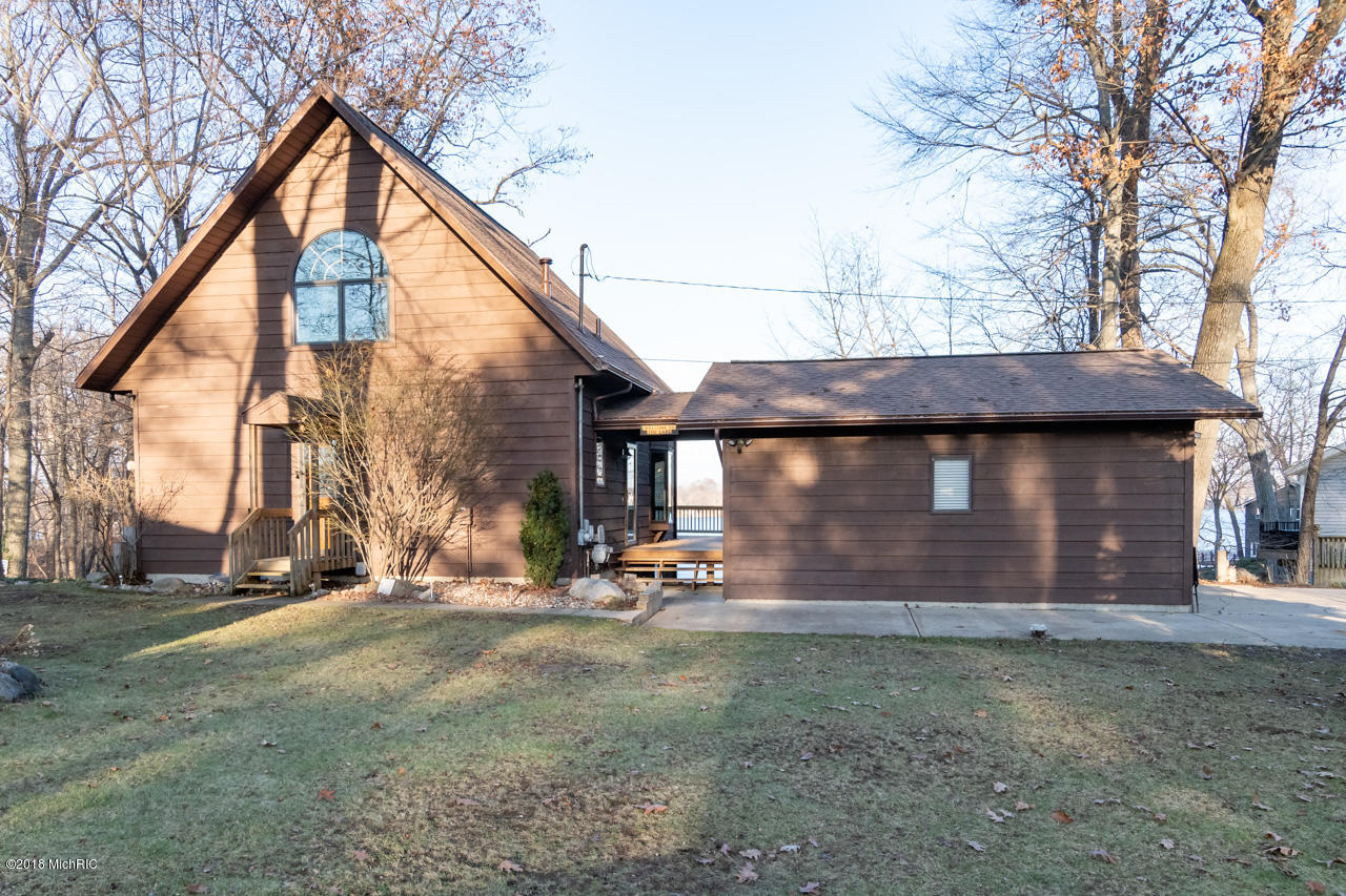 Photo for 12222 Gilmore Point Drive, Plainwell, MI 49080 (MLS # 18058868)
