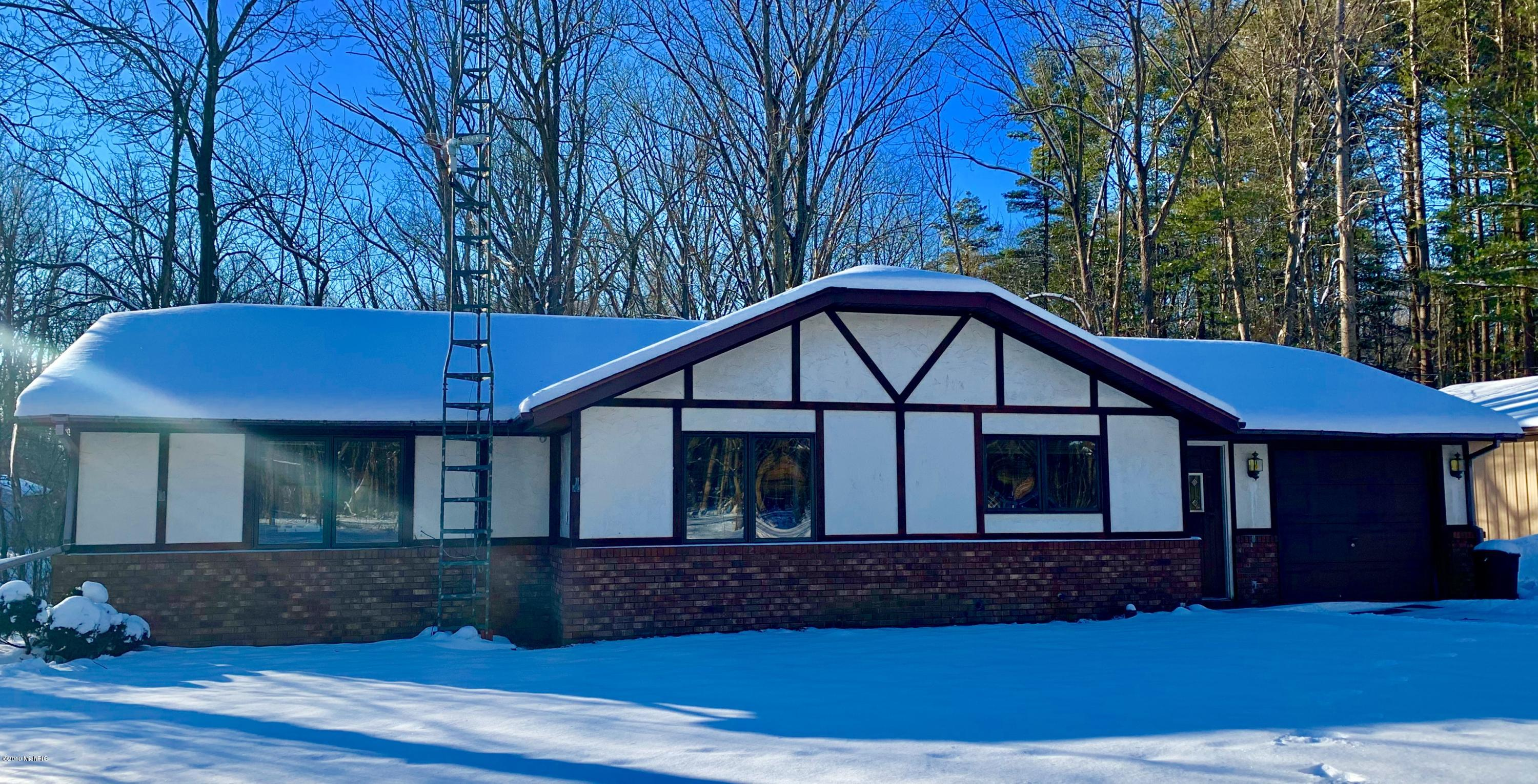 Photo for 34840 Cr 653, Paw Paw, MI 49079 (MLS # 19002914)