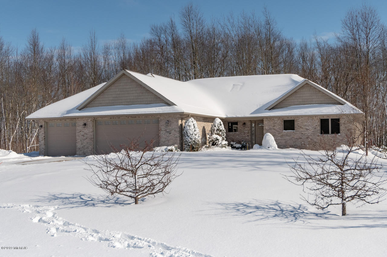 Photo for 70615 Copper Boulevard, Lawton, MI 49065 (MLS # 19003995)