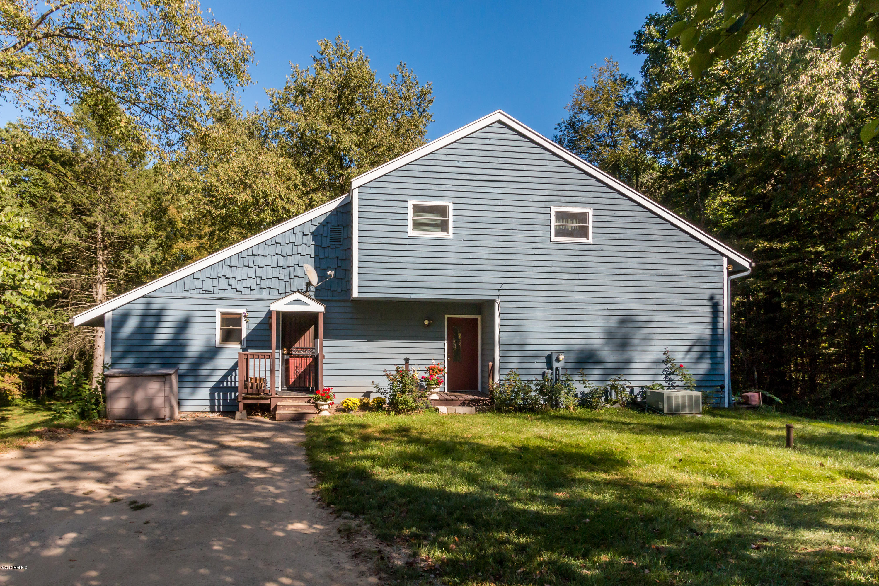 Photo for 68241 52nd Street, Lawrence, MI 49064 (MLS # 19025234)