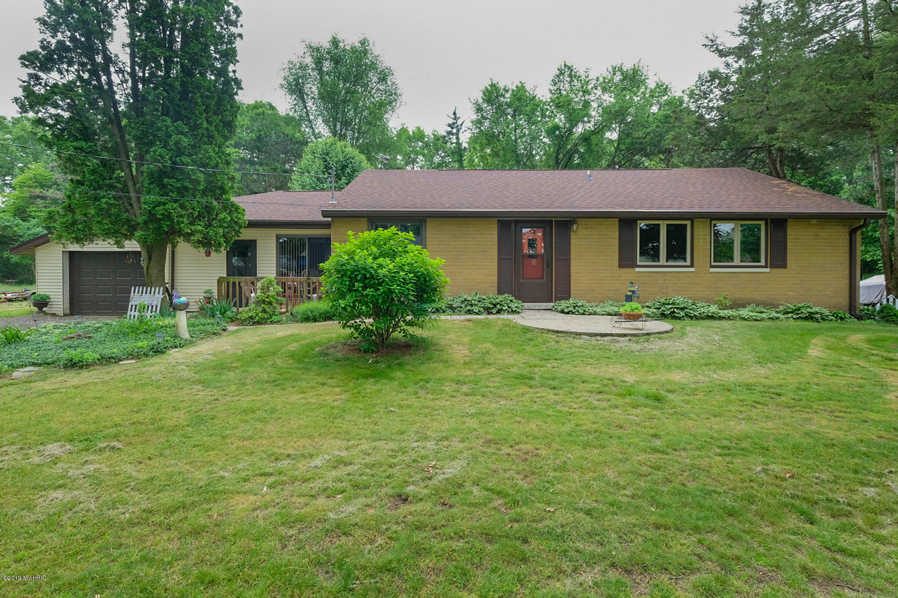 Photo for 45629 Eleanor Drive, Decatur, MI 49045 (MLS # 19025579)