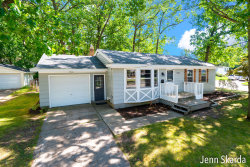 Photo of 3946 Wyoming Avenue, Wyoming, MI 49519 (MLS # 19045544)