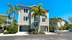 Photo of 515 Forest Way, LONGBOAT KEY, FL 34228 (MLS # A4403446)