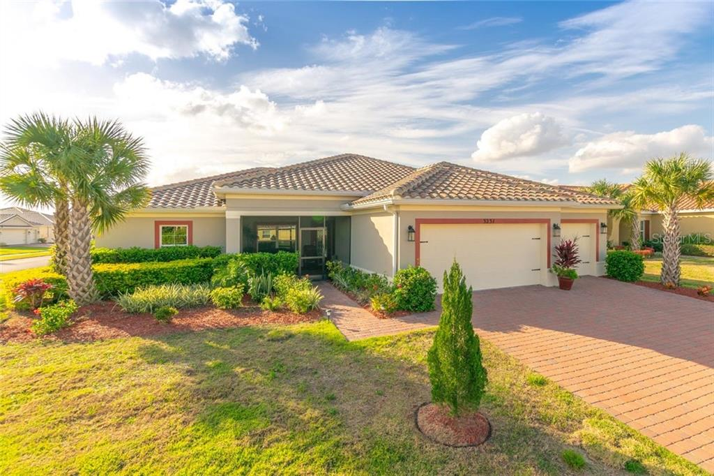 Photo for 3231 Silver Fin Way, KISSIMMEE, FL 34746 (MLS # S5028598)