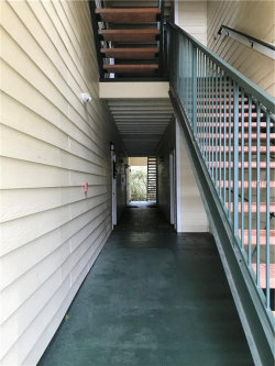 Photo of 18175 Sterling Gate Circle, Unit 18175, TAMPA, FL 33647 (MLS # T3146275)