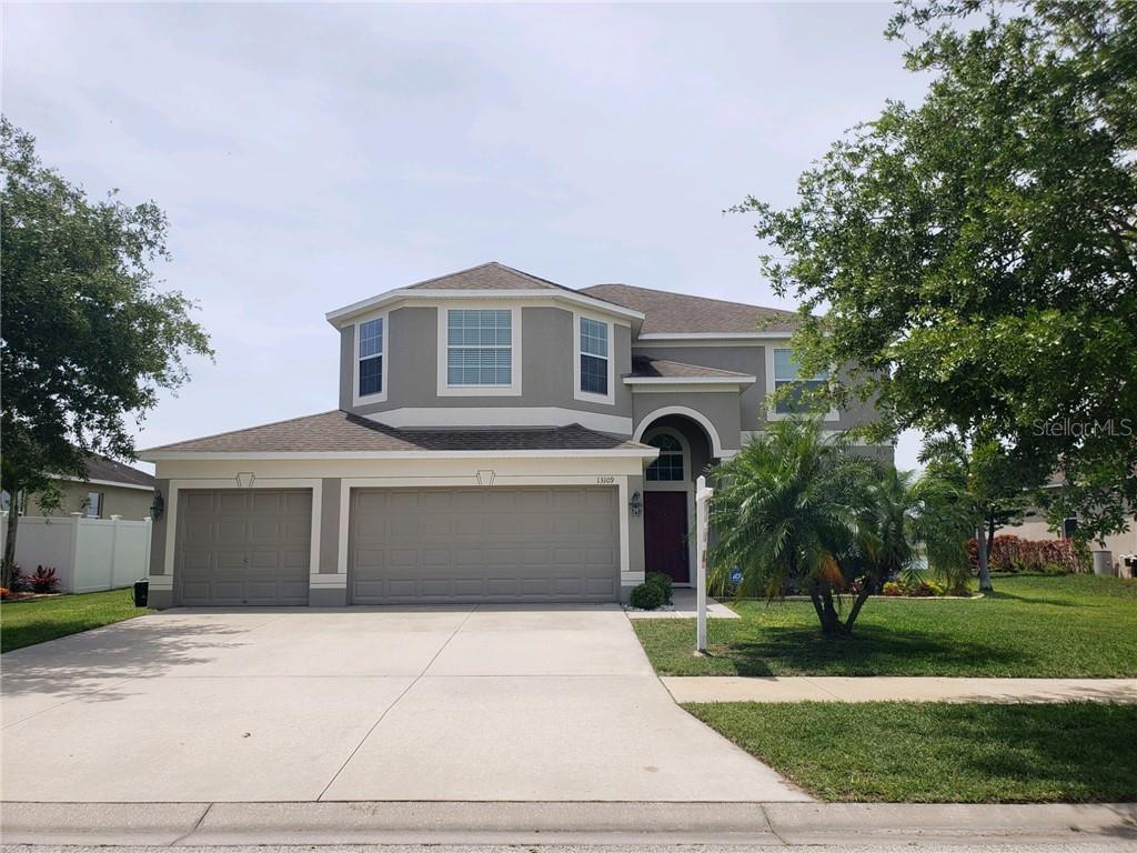 Photo for 13109 Graham Yarden Drive, RIVERVIEW, FL 33579 (MLS # T3235300)
