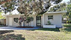 Photo of 15497 Bristol Circle E, CLEARWATER, FL 33764 (MLS # T3272734)