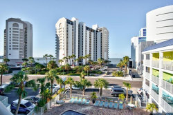 Photo of 445 S Gulfview Boulevard, Unit 422, CLEARWATER BEACH, FL 33767 (MLS # U7841618)