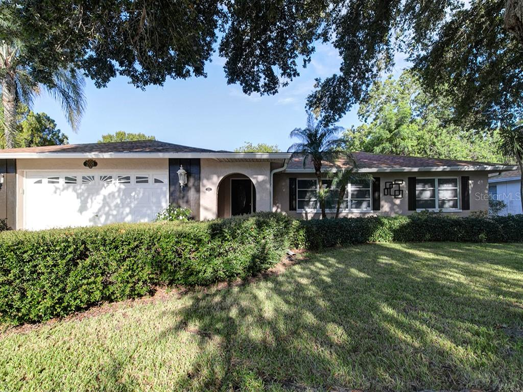 Photo for 2018 Ridgelane Road, CLEARWATER, FL 33755 (MLS # U8053456)