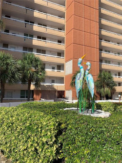Photo of 17900 Gulf Boulevard, Unit 11E, REDINGTON SHORES, FL 33708 (MLS # U8054002)