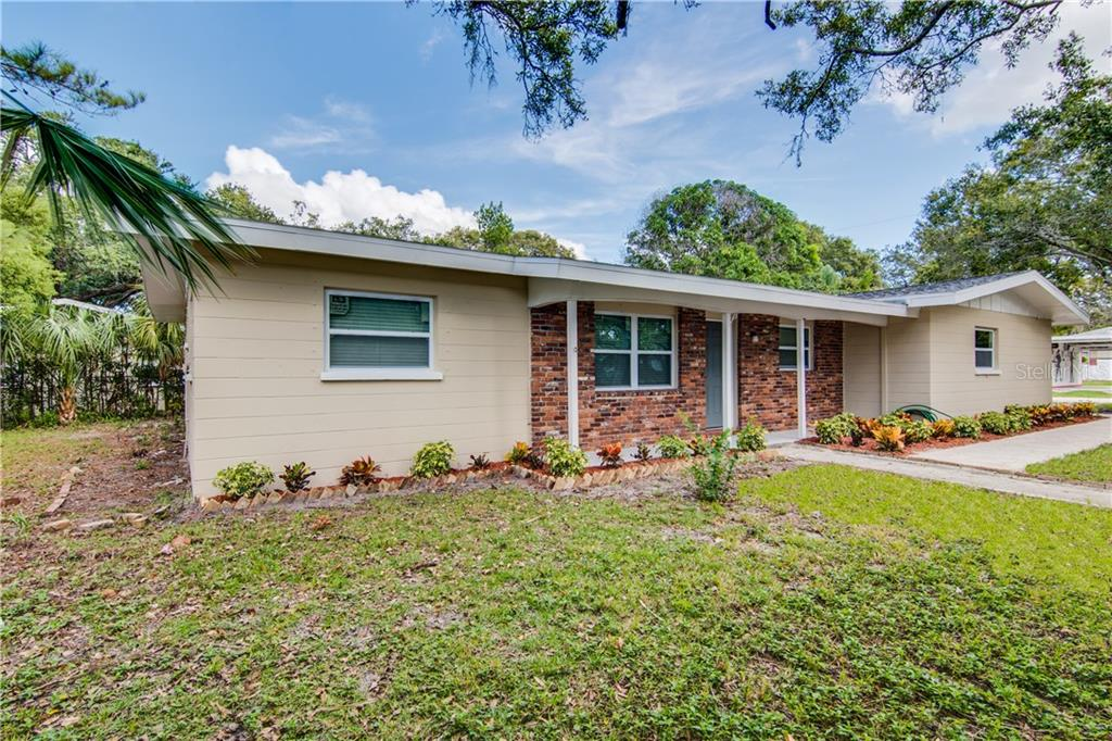 Photo for 790 5th Avenue Sw, LARGO, FL 33770 (MLS # U8063228)