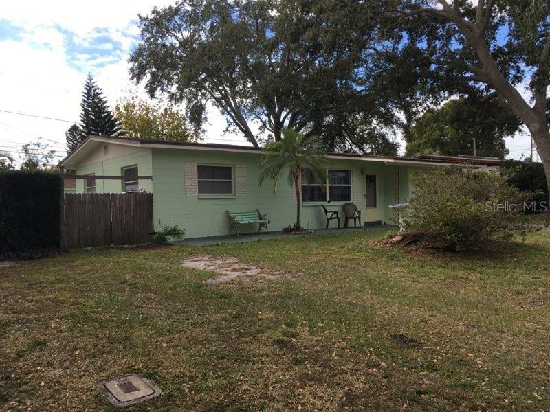 Photo for 10318 63rd Avenue, SEMINOLE, FL 33772 (MLS # U8067286)