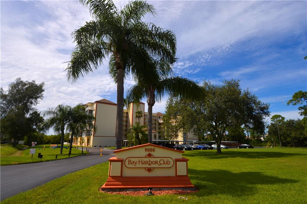 Photo for 9000 Commodore Drive, Unit 409, SEMINOLE, FL 33776 (MLS # U8099098)