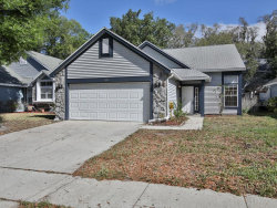 Photo of 9884 Aloma Bend Lane, OVIEDO, FL 32765 (MLS # V4912990)