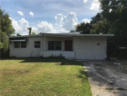 Photo of 103 Mayfair Circle, SANFORD, FL 32771 (MLS # O5741679)