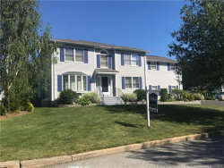 Photo of 2 Padgett Pl, Waterford, CT 06385 (MLS # E10232065)