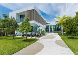 Photo for 820 Lakeview Dr, Miami Beach, FL 33140 (MLS # A10043801)