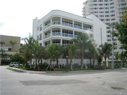Photo of 3010 Holiday Drive, Unit 2, Fort Lauderdale, FL 33316 (MLS # A10242684)