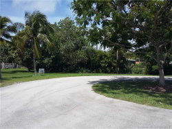 Photo of 8394 Southwest 187th Ter, Cutler Bay, FL 33157 (MLS # A10298201)