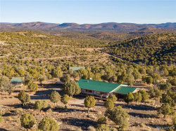 Photo of 17841 E Willow Creek Road, Kingman, AZ 86401 (MLS # 975441)
