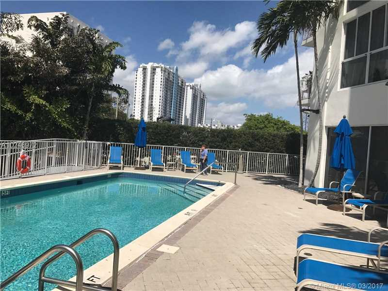 Photo for 1688 West Ave, Unit 1005, Miami Beach, FL 33139 (MLS # A10246972)