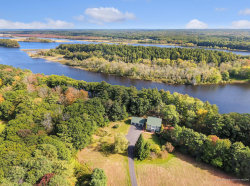 Photo of 24 Alden Island Drive, Topsham, ME 04086 (MLS # 1348093)