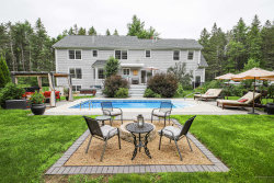 Photo of 1 Lincoln Farms Road, Falmouth, ME 04105 (MLS # 1460924)