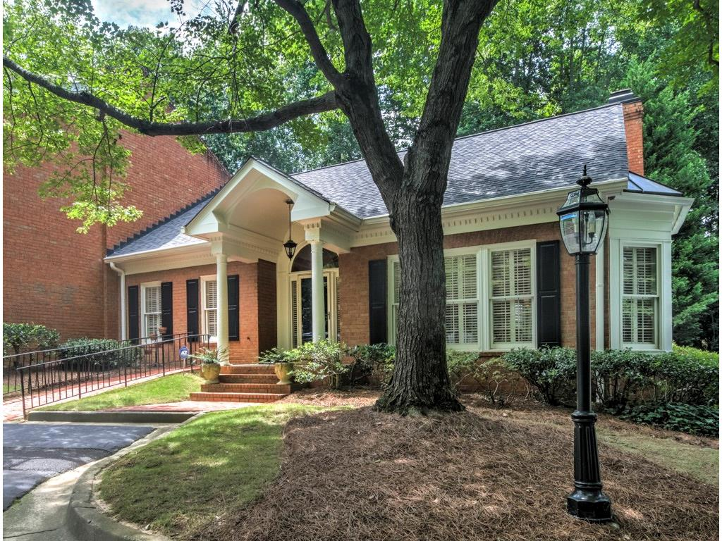 Photo for 3075 Howell Mill Road NW, Unit 13, Atlanta, GA 30327 (MLS # 5891108)
