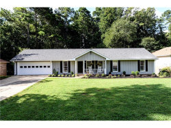 Photo of 410 Knoll Woods Drive, Roswell, GA 30075 (MLS # 5895977)