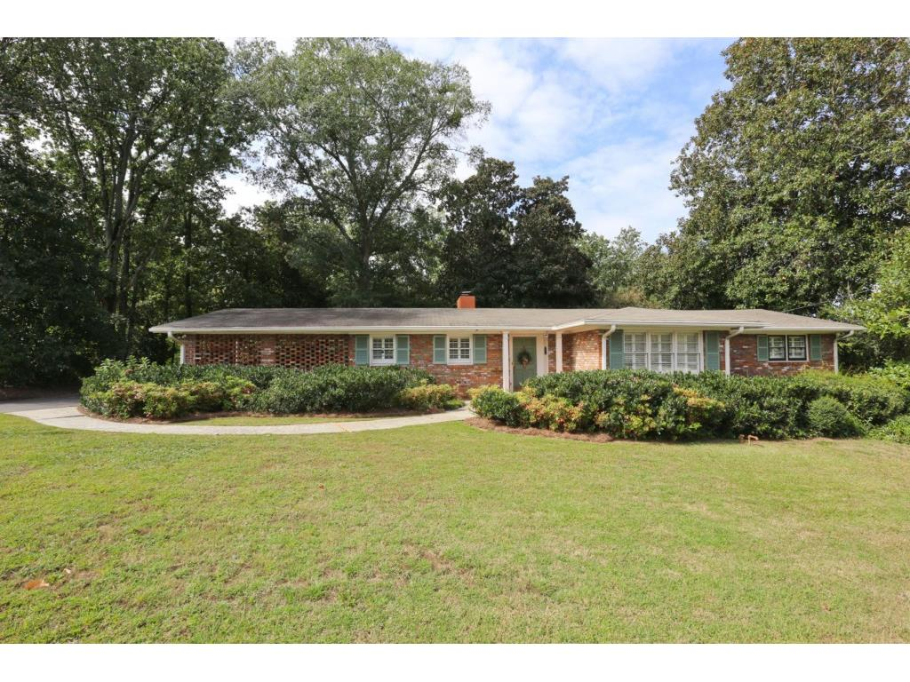 Photo for 5856 Riverside Drive, Sandy Springs, GA 30327 (MLS # 5915242)