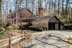 Photo of 4825 Woodvale Drive NW, Atlanta, GA 30327 (MLS # 5980428)