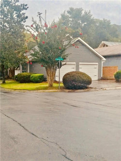 Photo of 943 Bobcat Court SE, Marietta, GA 30067 (MLS # 6053129)
