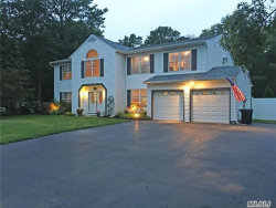 Photo of 44 Evelyn Ct, Manorville, NY 11949 (MLS # 2964674)