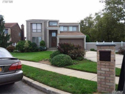 Photo of 2 Concord Ct, Lynbrook, NY 11563 (MLS # 2972431)